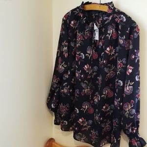 Gorgeous Ann Taylor Top Floral Tie Neck Blouse